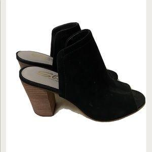 Shoes - Sbicca Women's Black Suede Heels Size 8
